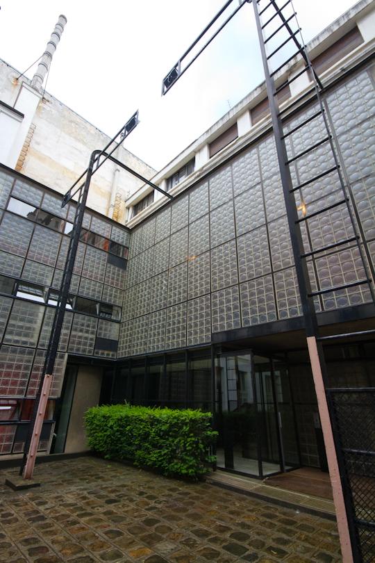 Early modern architecture in paris la maison de verre - Maison de verre ...